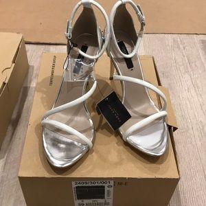 Zara heels in white size 8 or 39euro, new